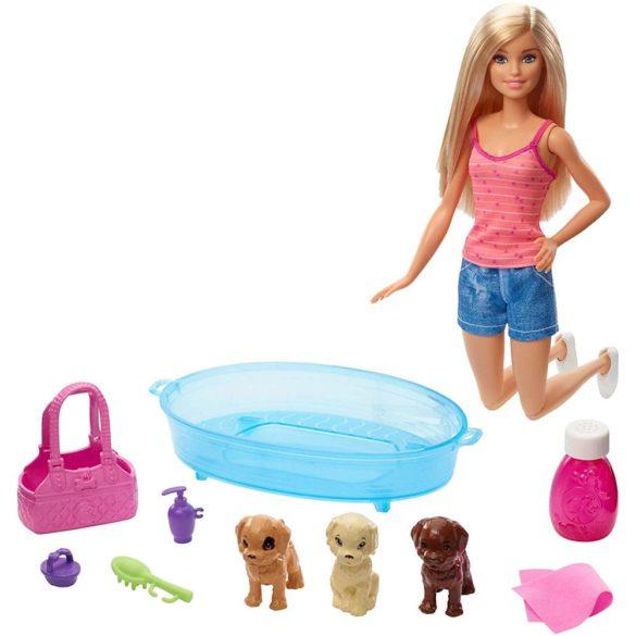 Papusa Barbie ne Jucam si Spalam Catelusii