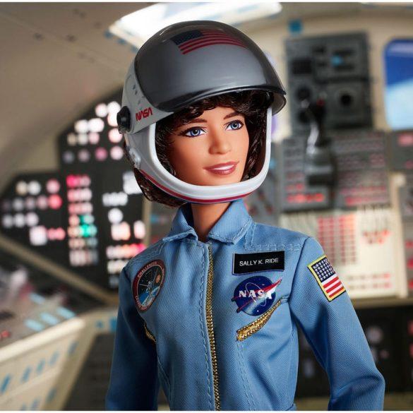 Papusa de Colectie Barbie Inspiring Women Sally Ride 3
