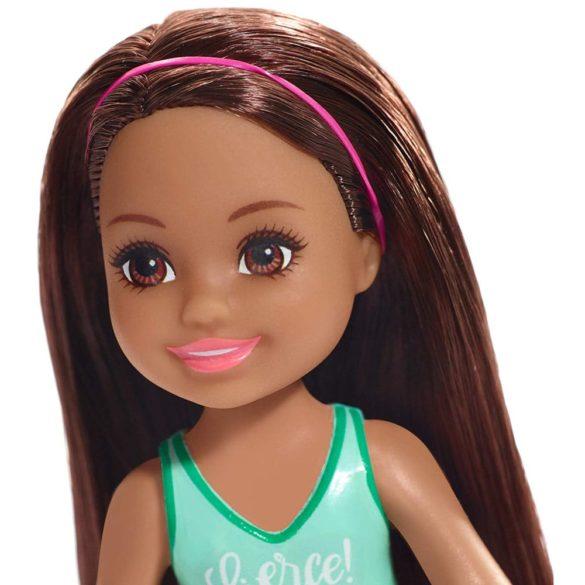 Barbie si Clubul Fluturasilor Papusa Chelsea cu Bentita Roz 2