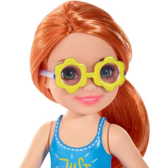 Barbie si Clubul Fluturasilor Papusa Chelsea cu Ochelari 3