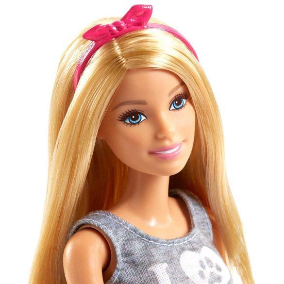 Papusa Barbie cu Animalute de Companie Catelus si Iepuras 3