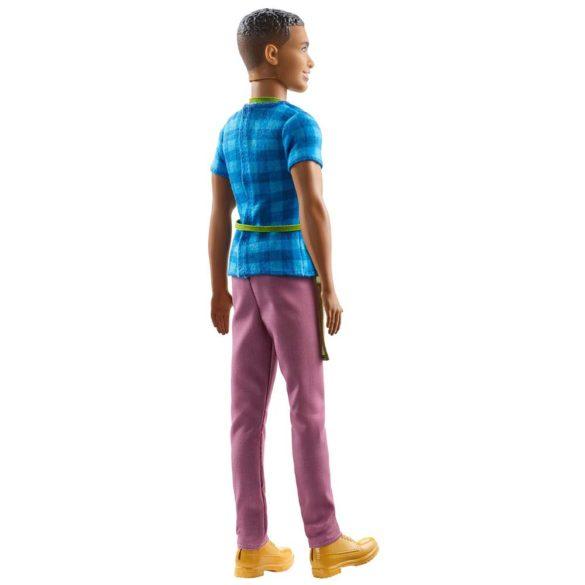 Barbie si Ferma de Vis Papusa Baiat Fermierul Ken 3