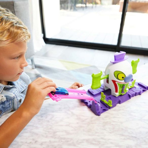 Hot Wheels Set de Joaca Joker si Casa de Distractii 2