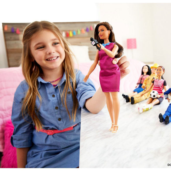 Papusa Barbie Prezentatoare de Stiri 2
