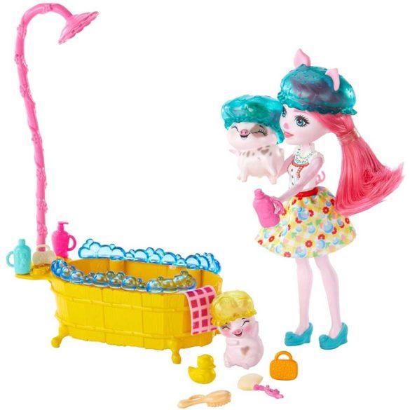Enchantimals Distractia la Baita si Papusa Petya Pig 5