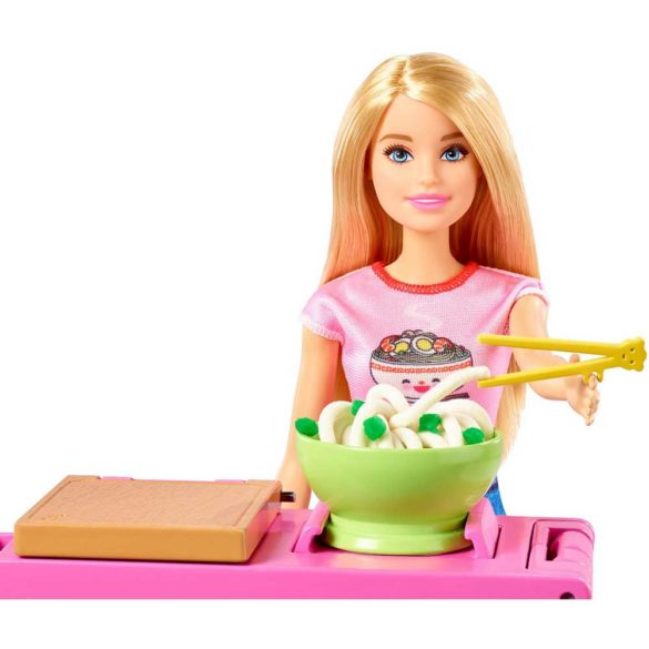 Barbie set de joaca cu papusa Ne jucam si facem paste 5