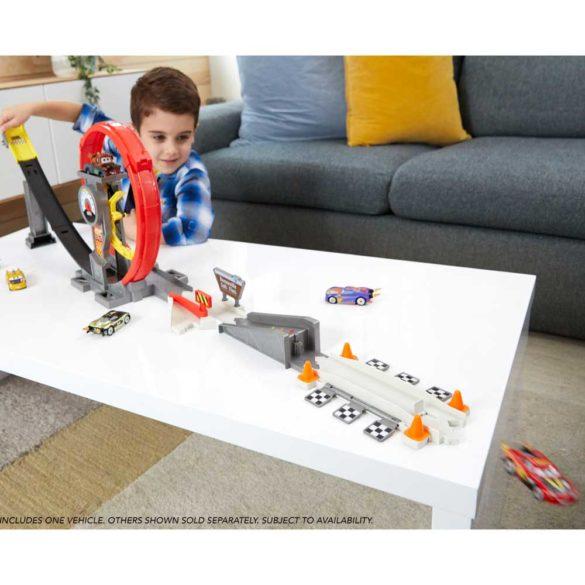 Pista Mattel Cars XRS Rocket Racer 7
