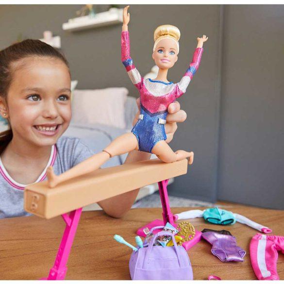 Papusa Barbie si Setul de Gimnastica cu 15 Accesorii 2