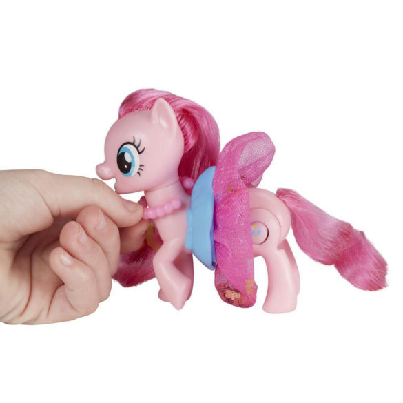 My Little Pony Figurina Pinkie Pie si Fustita ce se Roteste 2