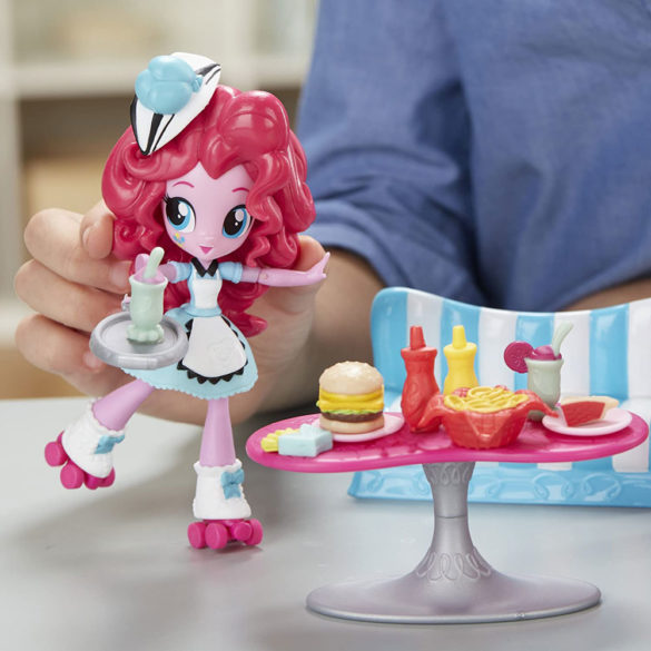 My Little Pony Pinkie Pie si Cofetaria cu Gustari 4