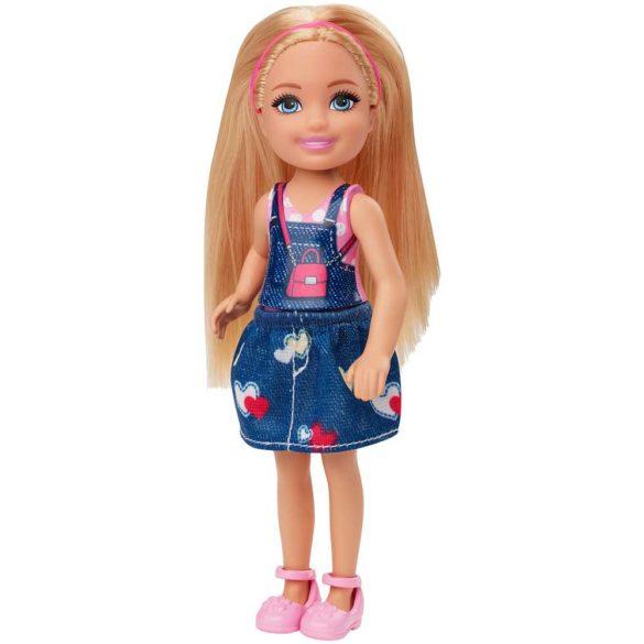 Barbie si Clubul Fluturasilor Papusa cu Fustita Denim