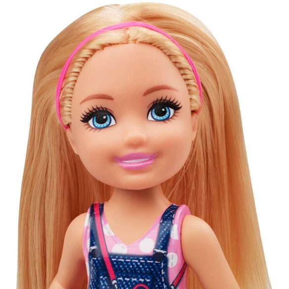 Barbie si Clubul Fluturasilor Papusa cu Fustita Denim 3
