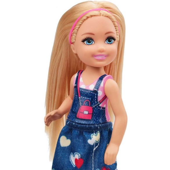 Barbie si Clubul Fluturasilor Papusa cu Fustita Denim 4