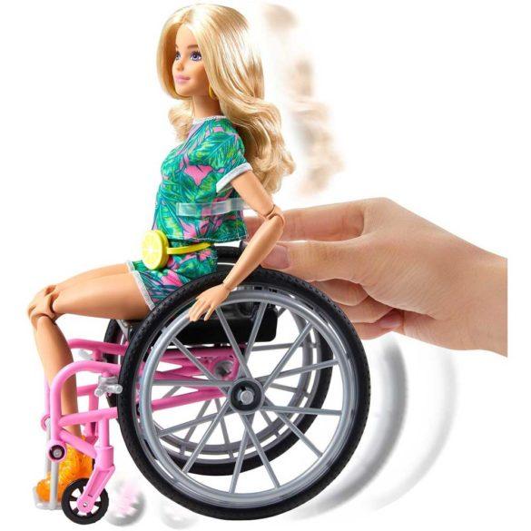Papusa Barbie Fashionistas 165 Cu Scaun Si Tinuta Tropicala 3