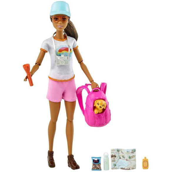Papusa Barbie in Drumetie cu Figurina si 9 Accesorii