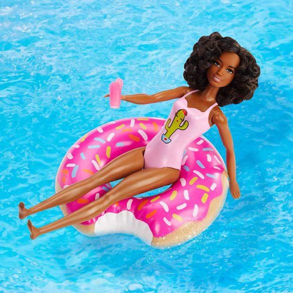 Set de joaca cu Papusa Barbie la Piscina AA 2