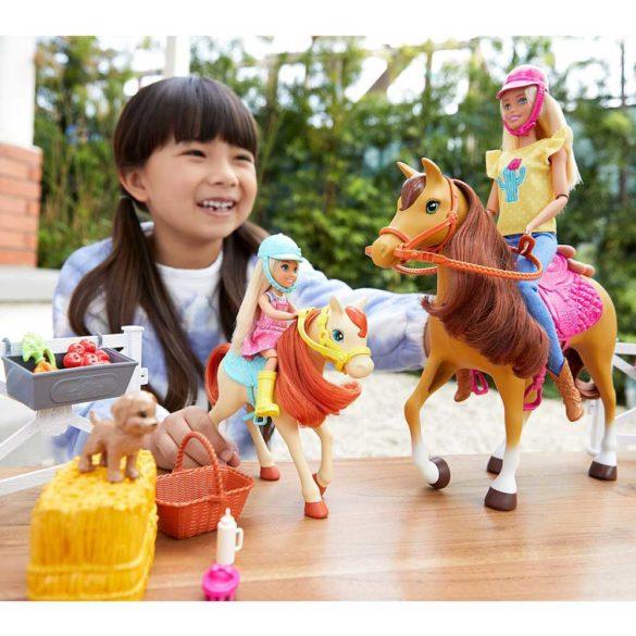 Set de Joaca cu Papusa Barbie Chelsea si 2 Caluti 2
