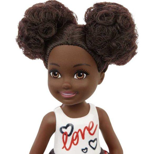 Barbie Club Chelsea Papusa AA cu Top Alb 2